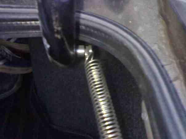 Как сделать пружину на багажник 190